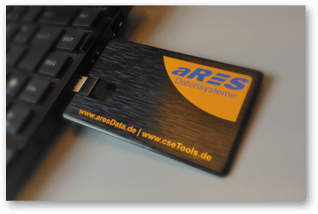 aRES USB-Stick am Laptop